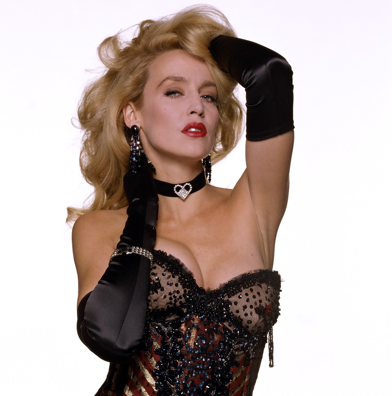 Queenly opera gloves is only befitting for beautiful Caucasian.